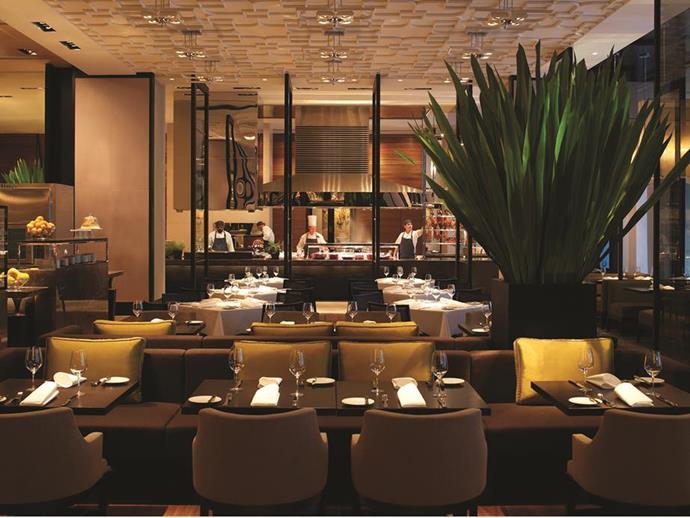 Grand Hyatt lobby restaurant Collins Kitchen