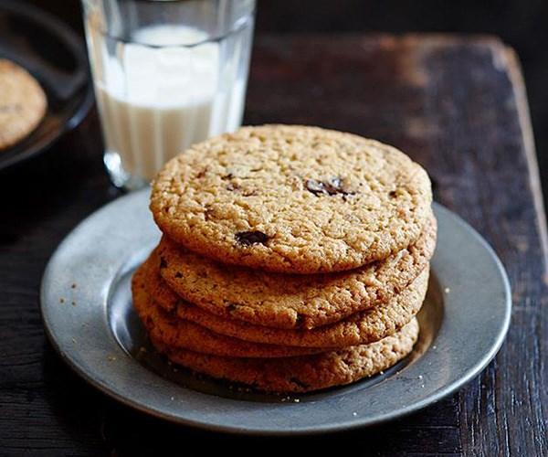 "**[Warm choc-chip peanut butter cookies](https://www.gourmettraveller.com.au/recipes/fast-recipes/warm-choc-chip-peanut-butter-cookies-13498|target=""_blank"")**"