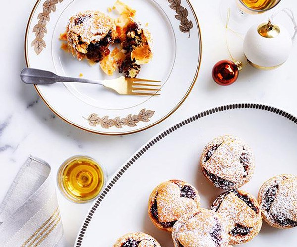 "**[Best-ever fruit mince tarts](https://www.gourmettraveller.com.au/recipes/browse-all/fruit-mince-tarts-14216|target=""_blank"")**"