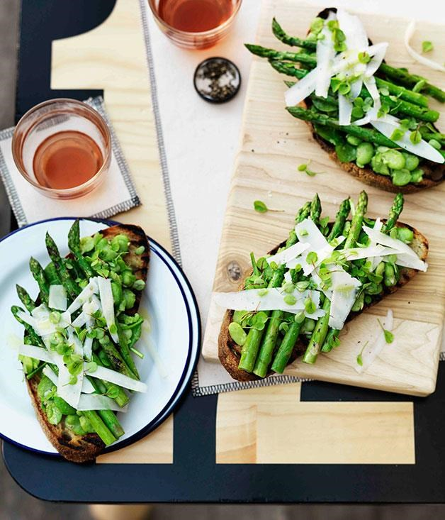 "**[Crushed broad bean, grilled asparagus, pecorino and sorrel tartine](https://www.gourmettraveller.com.au/recipes/browse-all/crushed-broad-bean-grilled-asparagus-pecorino-and-sorrel-tartine-11260|target=""_blank"")**"