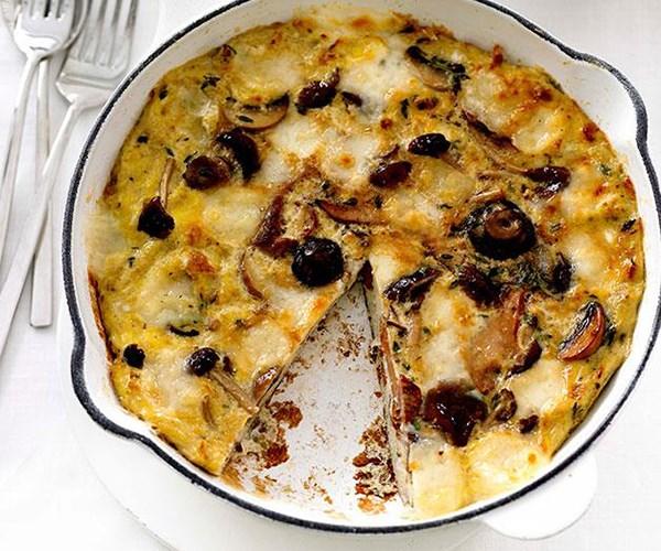 "**[Mushroom and fontina frittata](https://www.gourmettraveller.com.au/recipes/fast-recipes/mushroom-and-fontina-frittata-13034|target=""_blank"")**"