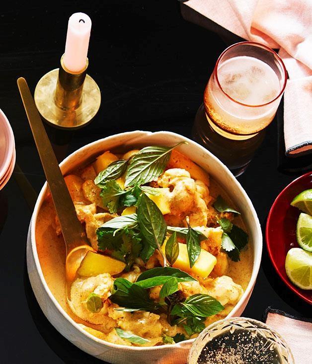 "**[Moreton Bay bug curry with mango](https://www.gourmettraveller.com.au/recipes/browse-all/moreton-bay-bug-curry-with-mango-12946|target=""_blank"")**"