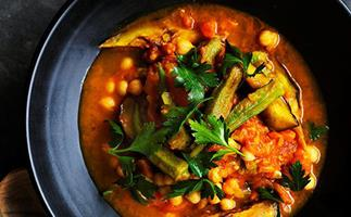 Quick okra, eggplant and turmeric stew