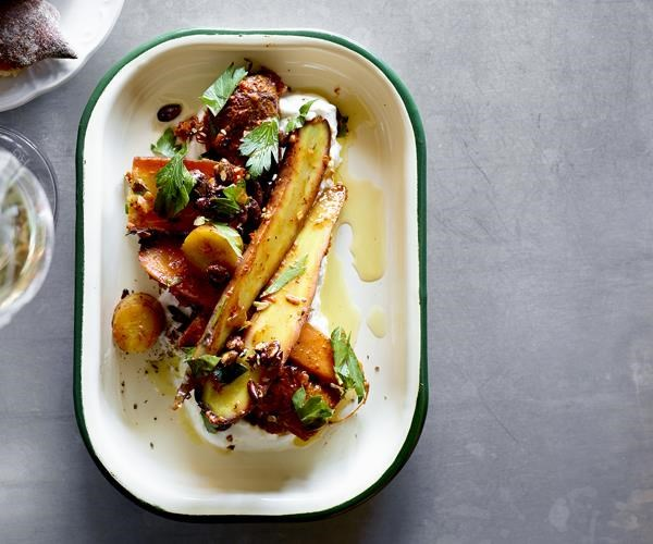 """[Roasted carrot salad, pepper sauce, olive oil and curd](https://www.gourmettraveller.com.au/recipes/chefs-recipes/roasted-carrot-salad-pepper-sauce-olive-oil-and-curd-16082