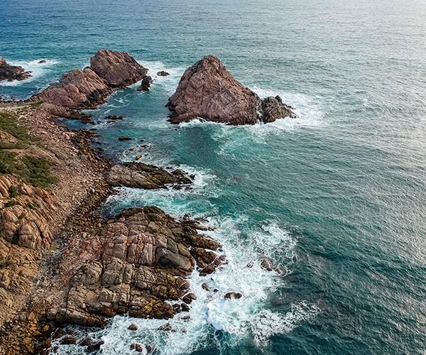 Sugarloaf Rock at Cape Naturaliste.
