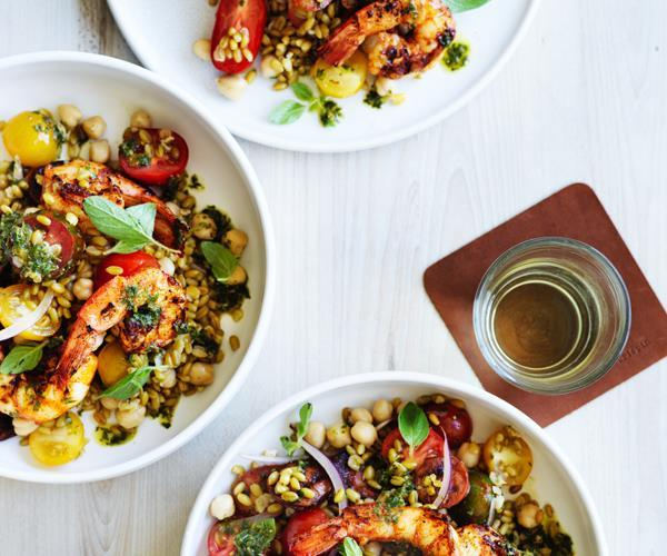 "[Prawn salad with chorizo, chickpeas and freekeh](https://www.gourmettraveller.com.au/recipes/fast-recipes/prawn-salad-with-chorizo-chickpeas-and-freekeh-15753|target=""_blank"")"