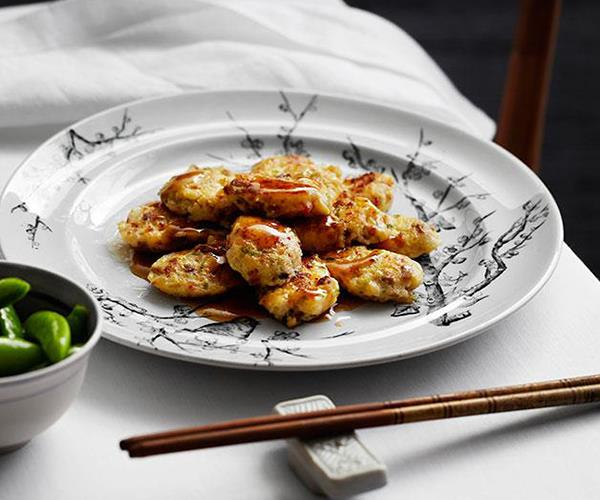 """[Pan-fried pei pa tofu with Chinese sausage and prawns](https://www.gourmettraveller.com.au/recipes/chefs-recipes/pan-fried-pei-pa-tofu-with-chinese-sausage-and-prawns-heung-jin-pei-pa-doufu-8110