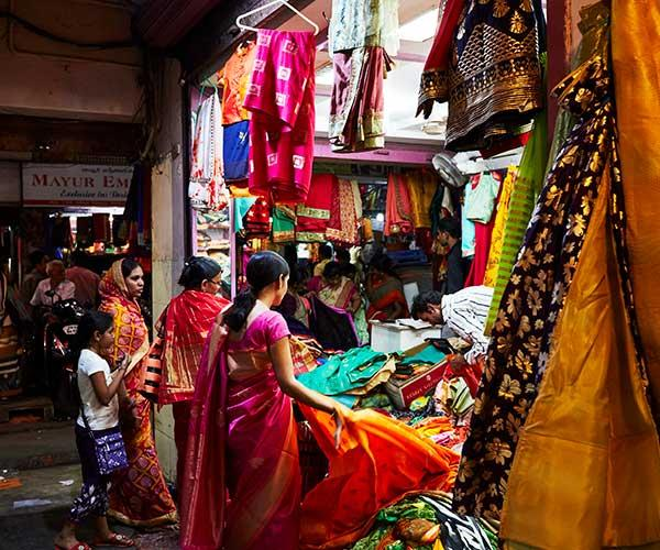 Shopping for sarees at Sowcarpet market (Photo: Alicia Taylor)
