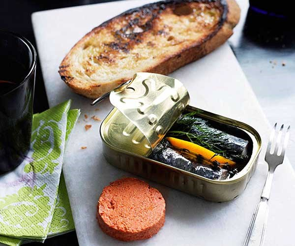 """[**Sardines with tomato pâté**](http://www.gourmettraveller.com.au/recipes/chefs-recipes/sardines-with-tomato-pate-7606 target=""""_blank"""")"""