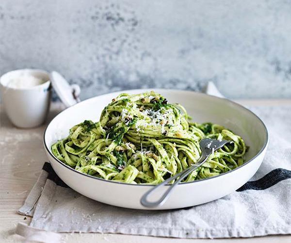 "**[Linguine with walnut-parsley pesto](https://www.gourmettraveller.com.au/recipes/fast-recipes/linguine-with-walnut-parsley-pesto-13827 target=""_blank"")**"