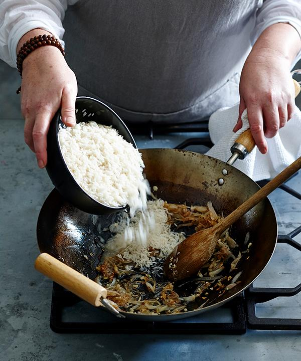 Tip 4: Use chicken fat to flavour the rice
