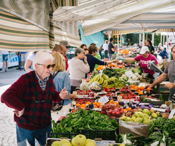 The Thursday market in Toscalono-Maderno.