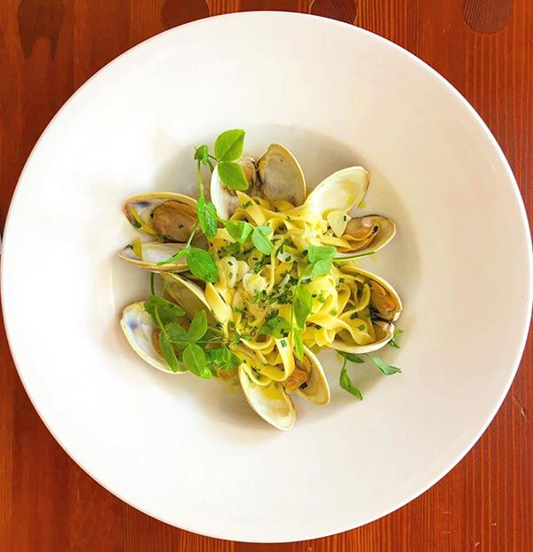 "Malagash clams with fettuccine, butter, garlic, shallots, white wine and herbs. Photo: [@ednarestaurant](https://www.instagram.com/ednarestaurant/|target=""_blank""