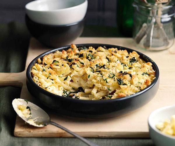 "**[Maccheroni al formaggio](https://www.gourmettraveller.com.au/recipes/browse-all/maccheroni-al-formaggio-10755|target=""_blank"")**"