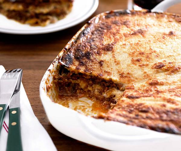 "**[A classic lasagne](https://www.gourmettraveller.com.au/recipes/browse-all/lasagne-8685|target=""_blank"")**"