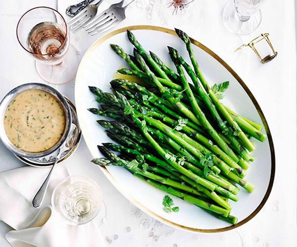 "**[Asparagus with blood-orange and chervil hollandaise](https://www.gourmettraveller.com.au/recipes/browse-all/asparagus-with-blood-orange-and-chervil-hollandaise-10910|target=""_blank"")**"