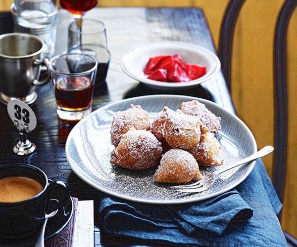 "**[Zeppole (Italian doughnuts)](https://www.gourmettraveller.com.au/recipes/chefs-recipes/zeppole-italian-doughnuts-7735|target=""_blank"")**"