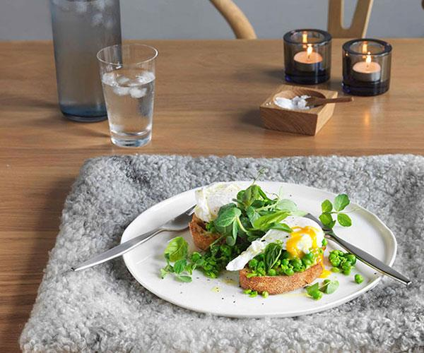 "**[Crushed peas, basil and poached eggs on sourdough](https://www.gourmettraveller.com.au/recipes/chefs-recipes/crushed-peas-basil-and-poached-eggs-on-sourdough-8989|target=""_blank"")**"