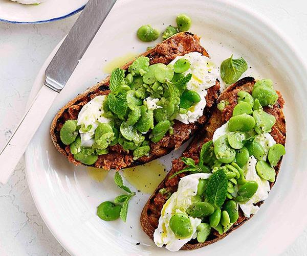 "[**Grilled sourdough with 'nduja, smashed broad beans and green garlic**](https://www.gourmettraveller.com.au/recipes/browse-all/grilled-sourdough-with-nduja-smashed-broad-beans-and-green-garlic-11244|target=""_blank"")"