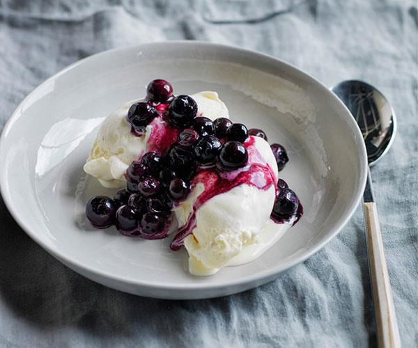 "**[Lennox Hastie's buttermilk ice-cream with grilled blueberries](https://www.gourmettraveller.com.au/recipes/chefs-recipes/buttermilk-ice-cream-with-grilled-blueberries-8195|target=""_blank"")**"