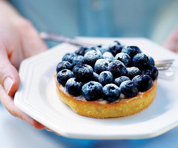 "**[Serge Dansereau's blueberry vanilla tart](https://www.gourmettraveller.com.au/recipes/chefs-recipes/serge-dansereau-blueberry-vanilla-tart-7101|target=""_blank"")**"