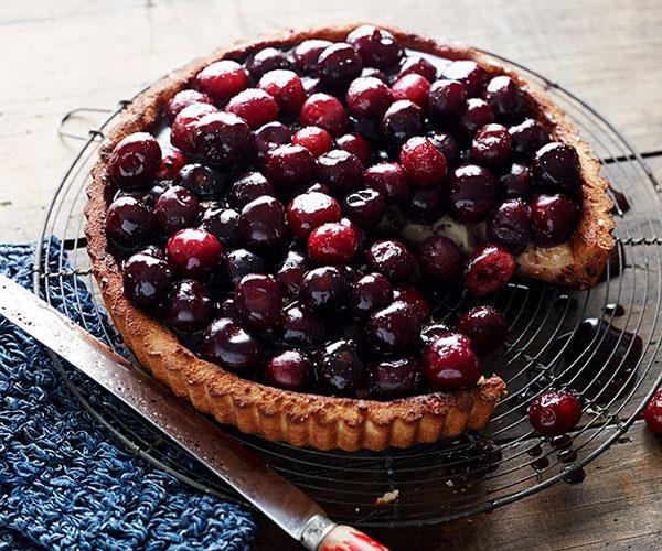"**[Pete Evans' cherry pie](https://www.gourmettraveller.com.au/recipes/chefs-recipes/cherry-pie-8182|target=""_blank"")**"