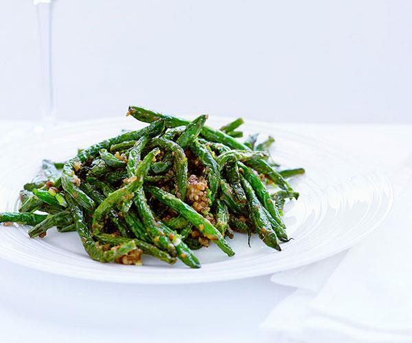 "**[Sichuan-style green beans with pork mince](https://www.gourmettraveller.com.au/recipes/browse-all/sichuan-style-green-beans-with-pork-mince-9788|target=""_blank"")**"