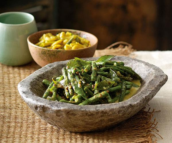 "**[Peter Kuruvita's snake bean curry](https://www.gourmettraveller.com.au/recipes/chefs-recipes/peter-kuruvita-snake-bean-curry-7442|target=""_blank"")**"