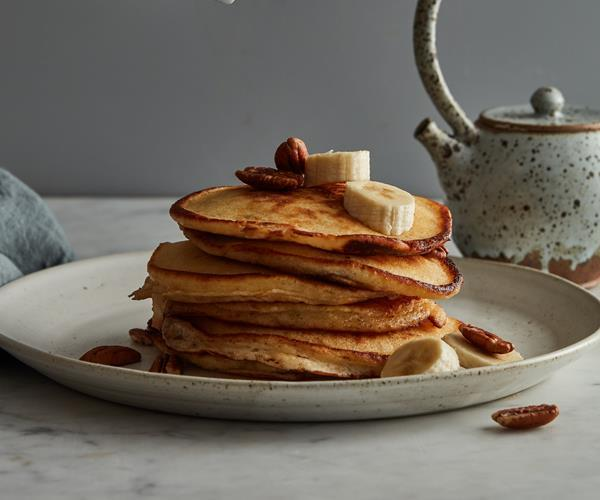 "**[The essential guide to making pancakes](https://www.gourmettraveller.com.au/recipes/explainers/how-to-make-pancakes-17537|target=""_blank"")**"
