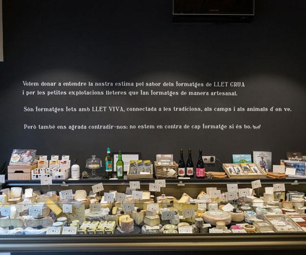 Llet Crua cheese shop.