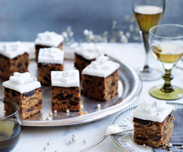 "[**Christmas cake with fondant**](https://www.gourmettraveller.com.au/recipes/browse-all/christmas-cake-with-fondant-11843|target=""_blank"")"