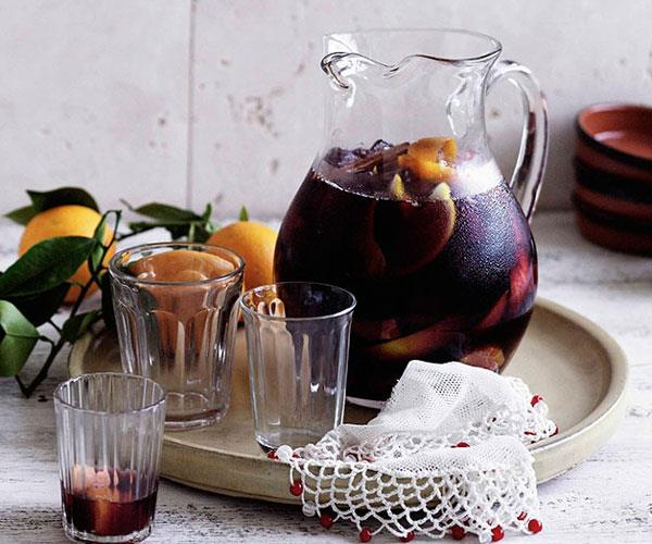 "[**My Dad's sangría**](https://www.gourmettraveller.com.au/recipes/chefs-recipes/my-dads-sangria-7204|target=""_blank"")"