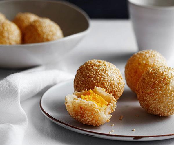 "**[Sesame doughnuts with custard (jin deui)](https://www.gourmettraveller.com.au/recipes/chefs-recipes/sesame-doughnuts-with-custard-jin-deui-8112|target=""_blank"")**"