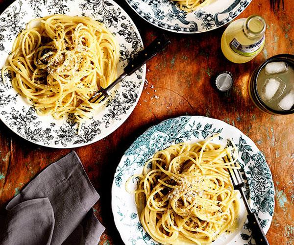 "**[Spaghetti cacio e pepe](https://www.gourmettraveller.com.au/recipes/browse-all/spaghetti-cacio-e-pepe-11452|target=""_blank"")**"