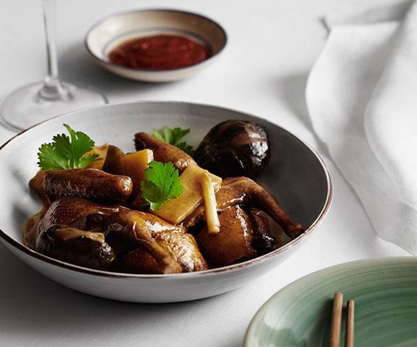 "**[Flower Drum's braised squab with oyster sauce and shiitake mushrooms (tung ku wat yu kap)](https://www.gourmettraveller.com.au/recipes/chefs-recipes/braised-squab-with-oyster-sauce-and-shiitake-mushrooms-tung-ku-wat-yu-kap-8111|target=""_blank"")**"