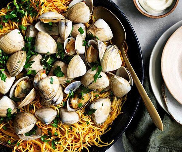 "**[Fideuà with clams](https://www.gourmettraveller.com.au/recipes/fast-recipes/fideua-with-clams-13716|target=""_blank"")**"