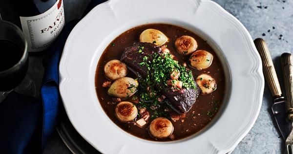 Boeuf à la Bourguignonne recipe (beef Bourguignonne)