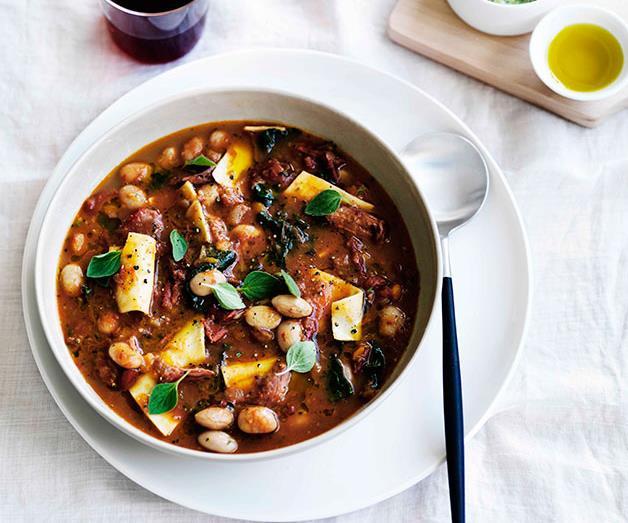 "**[Ham hock, borlotti bean and pasta minestra with battuto lardo](https://www.gourmettraveller.com.au/recipes/browse-all/ham-hock-borlotti-bean-and-pasta-minestra-with-battuto-lardo-11470|target=""_blank"")**"