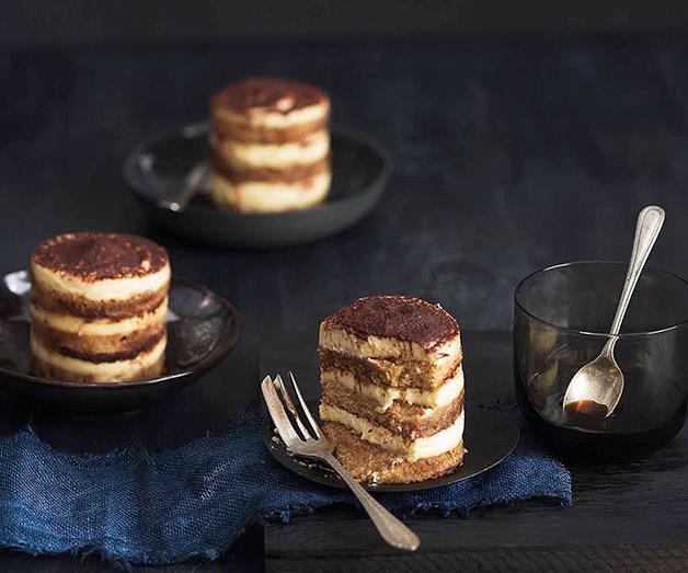 "**[Tiramisú layer cakes](https://www.gourmettraveller.com.au/recipes/browse-all/tiramisu-layer-cakes-10548|target=""_blank"")**"