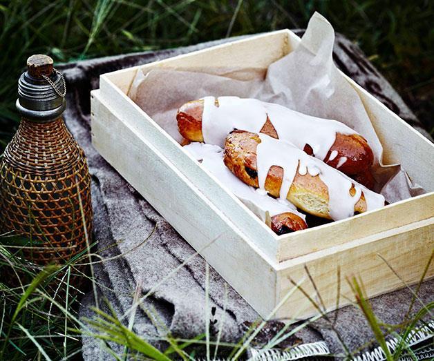 "[**Sticky cinnamon finger buns**](https://www.gourmettraveller.com.au/recipes/browse-all/sticky-cinnamon-finger-buns-11403 target=""_blank"")<br>"