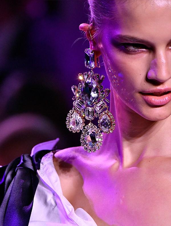 "**ALEXANDRE VAUTHIER** <br><br> *Via: [ELLE UK](http://www.elleuk.com/fashion/news/g31889/best-jewellery-accessories-haute-couture-fashion-week-aw17/? target=""_blank"" rel=""nofollow"")*"