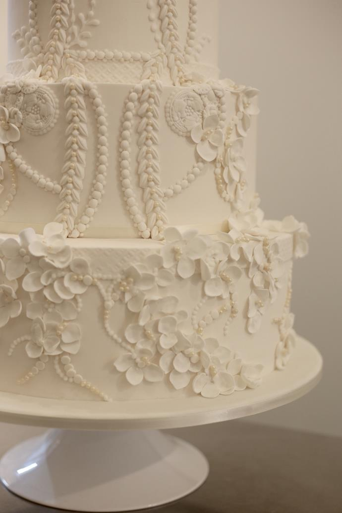 A close-up of the detail on the cake. <br><br> *All photos courtesy of Sweet Bloom Cakes.*