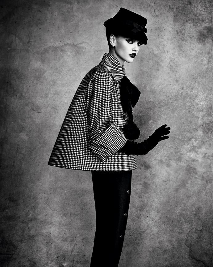 Christian Dior, Paris (fashion house); Christian Dior (designer) *Aventure* ensemble, spring−summer 1948, haute couture collection. Photo © Patrick Demarchelier/Licensed by Art+Commerce. Model: Sasha Pivovarova, IMG Models.