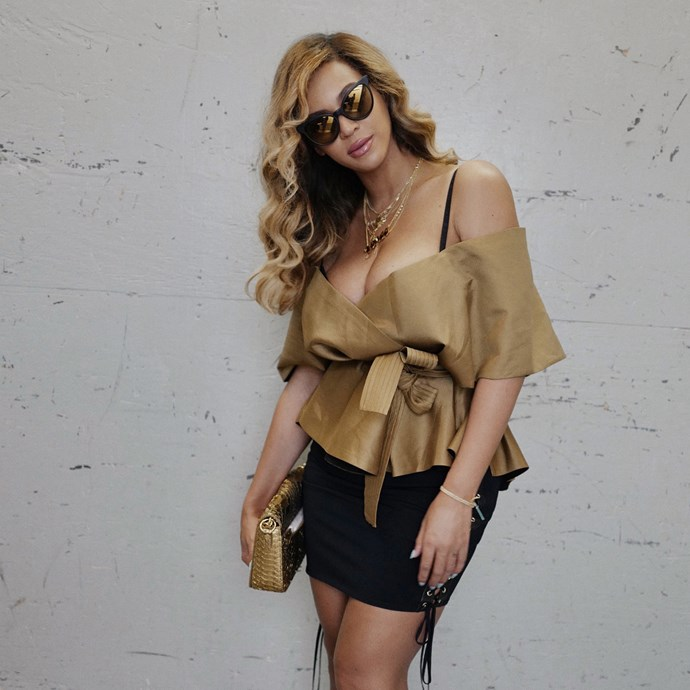 """**Acler** <br><Br> Beyoncé opted for a bodice top by Australian label Acler for date night with husband Jay-Z. The couple saw 'Dear Evan Hansen' on Broadway.<br><br>  The 'Fyffe Bodice in Burnt Sage' is available for pre-order at Acler for $270 [here](https://www.acler.com.au/collections/all/products/fyffe-bodice
