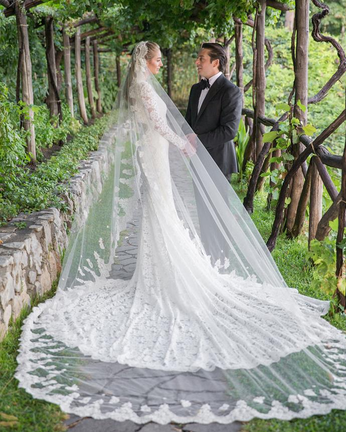 Whitney Wolfe marries Michael Herd in custom Oscar de la Renta<br><br>  Image: Instagram [@whitneywolfeherd](https://www.instagram.com/p/BYyo4-WhtsC/?taken-by=whitwolfeherd)
