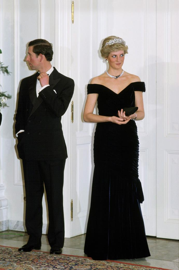 """**She never wore very high heels**<br><br> Because Diana naturally stood at almost the same height as her husband, near 5""""10, she would never wear heels that were too high as not to seem [taller than Charles](http://www.harpersbazaar.com.au/celebrity/prince-charles-shown-taller-princess-diana-5522)."""