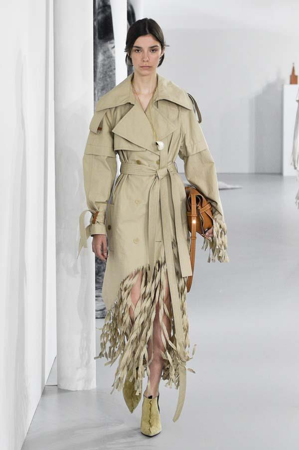 **Deconstructed trenches**   Loewe spring summer '18