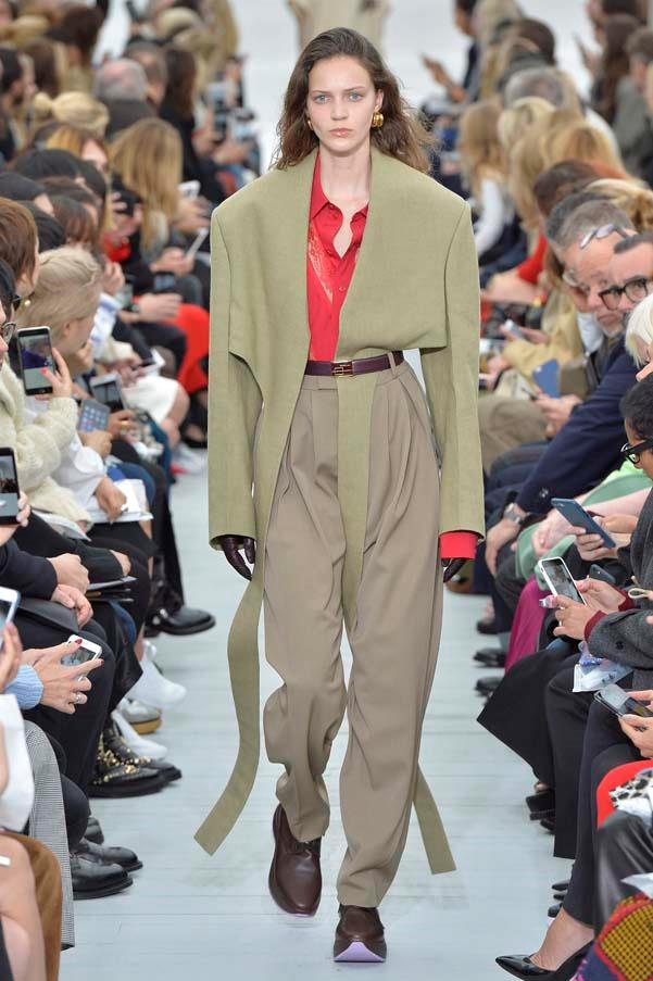 **Boxy shoulders**   Demna Gvasalia made boxy shoulders *the* silhouette at Balenciaga and Vetements in seasons past. This season, the trend became far more wearable, with Céline, Sonia Rykiel and Versace offering cropped statement-shoulder jackets in neutral tones and versatile materials.    Céline spring summer '18