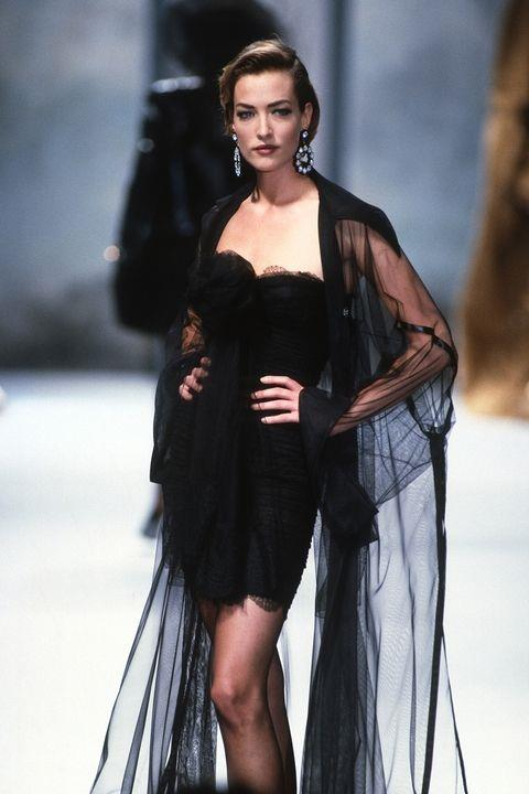 **TATJANA PATITZ** <BR><BR> Chanel Couture autumn '91