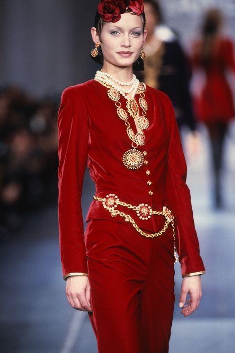 **AMBER VALETTA** <BR><BR> Chanel autumn '93